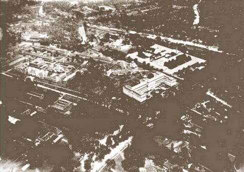 RSCM tahun 1900 yang masih ada pabrik opiumnya di belakang yang deket universitas bung karno